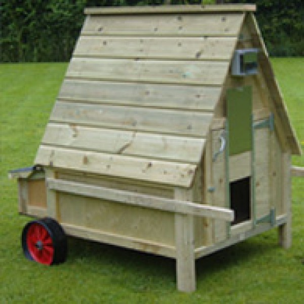 Six bird Chicken House with single axle