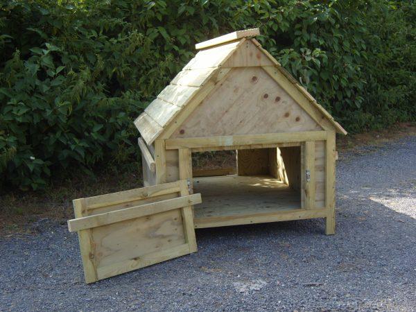 standard goose house back door open