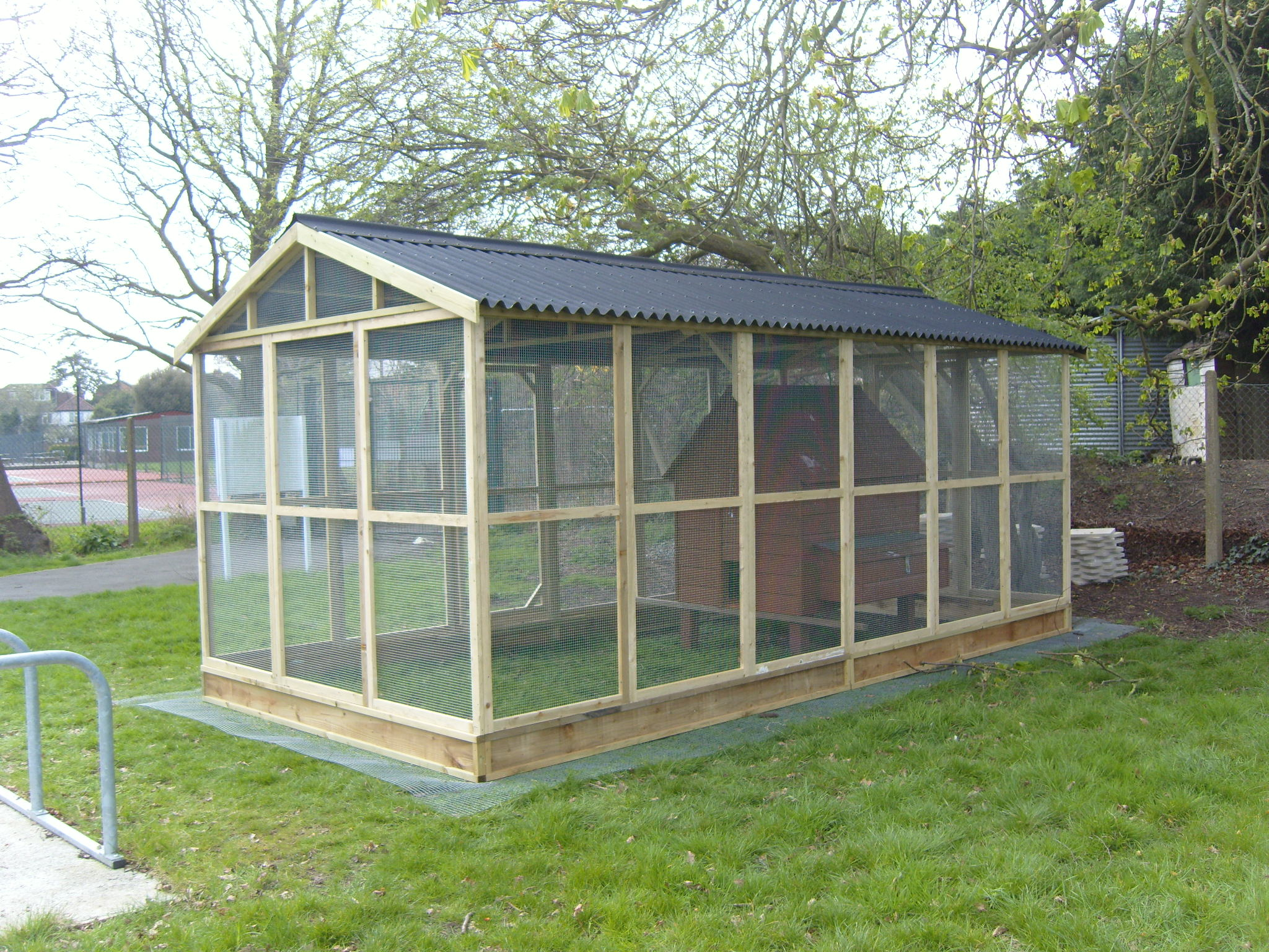Large Enclosed Run with Apex Onduline Roof